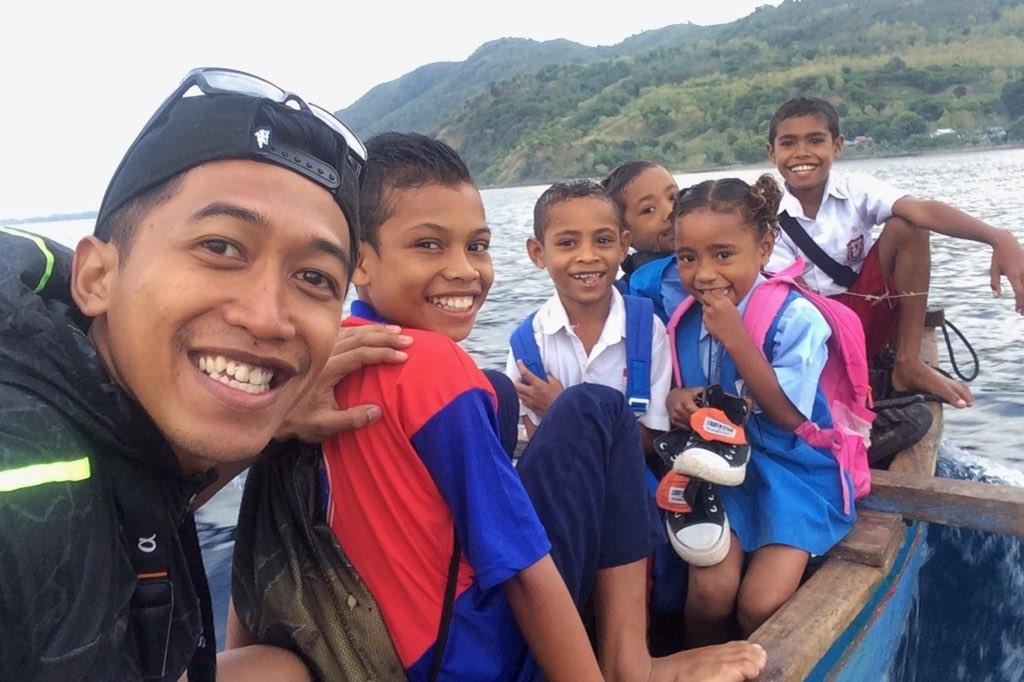 Air Dive Alor - Anak anak Sekolah