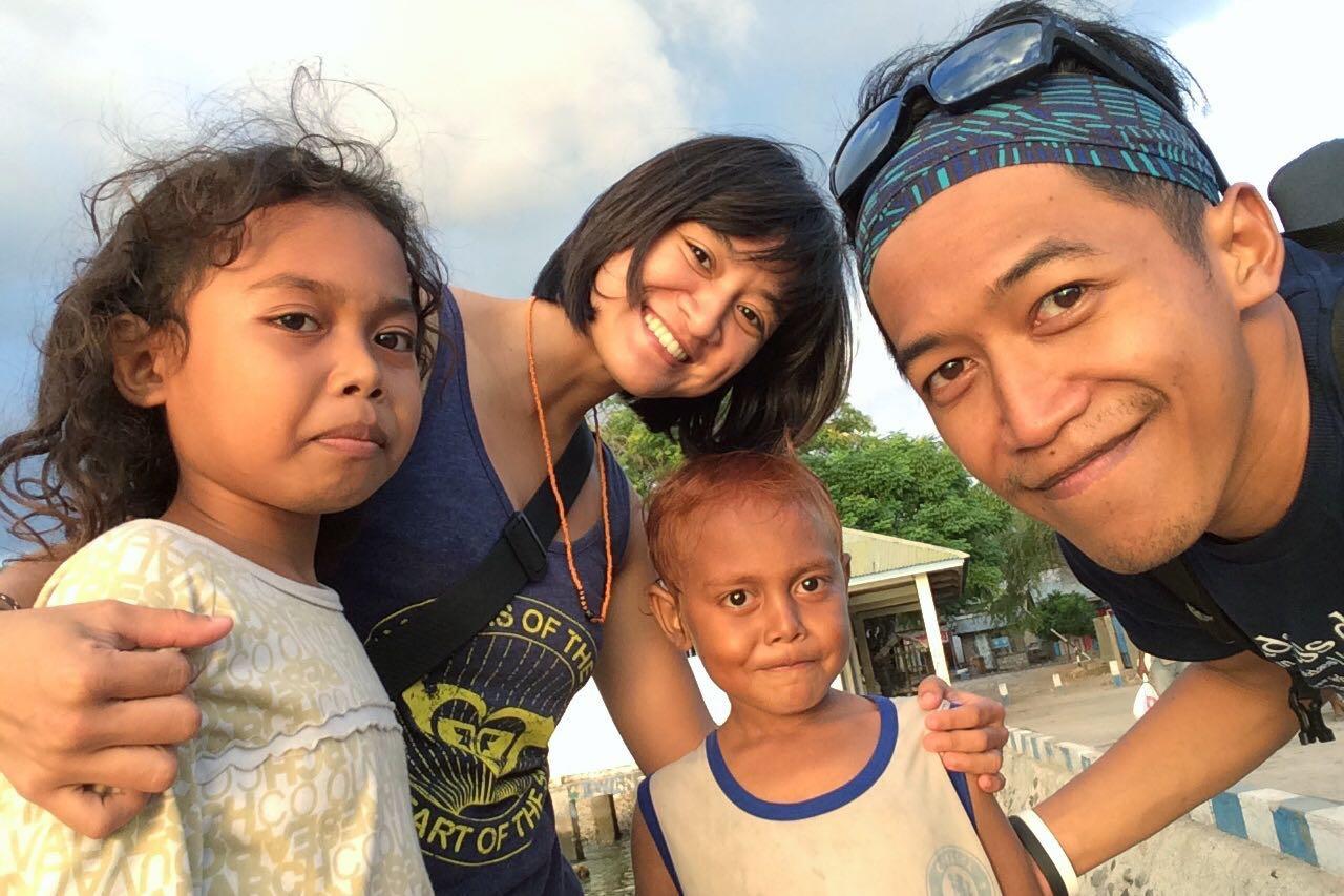 Bersama anak-anak Alor. They stole my heart.